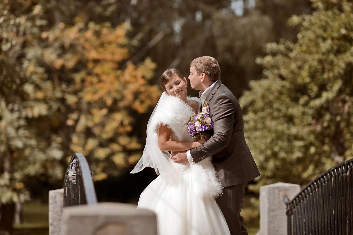 Свадебная фотосессия в усадьбе Трубецких – пример вкуса и цвета настоящих фото (Алина и Дмитрий)