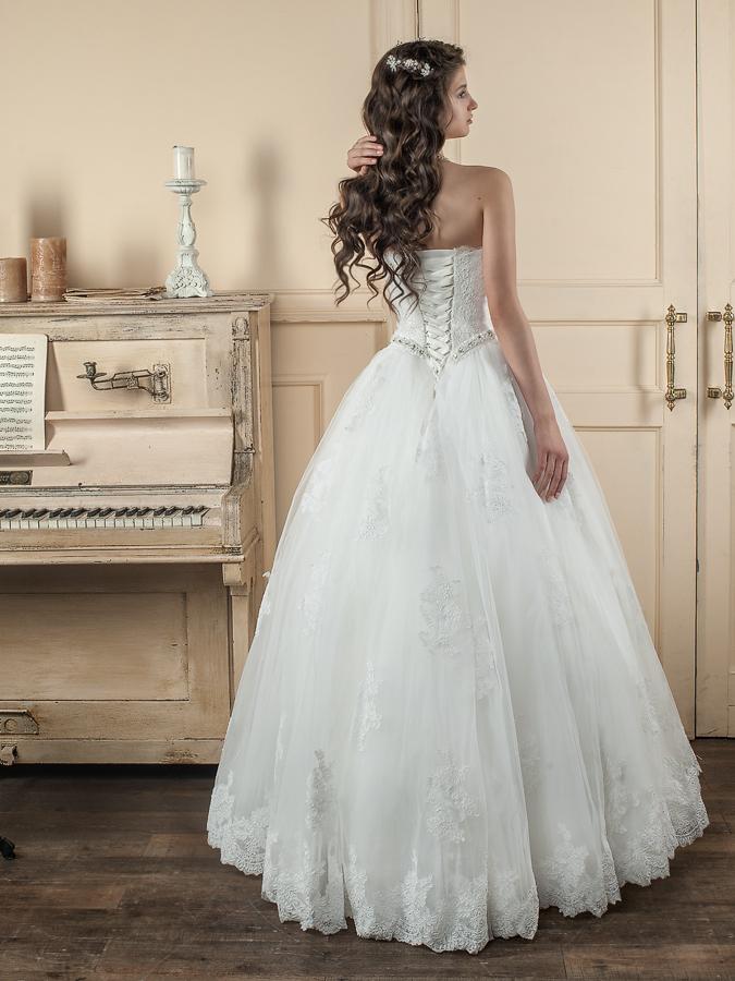 свадебные платья, профессиональная съемка, студийная съемка
