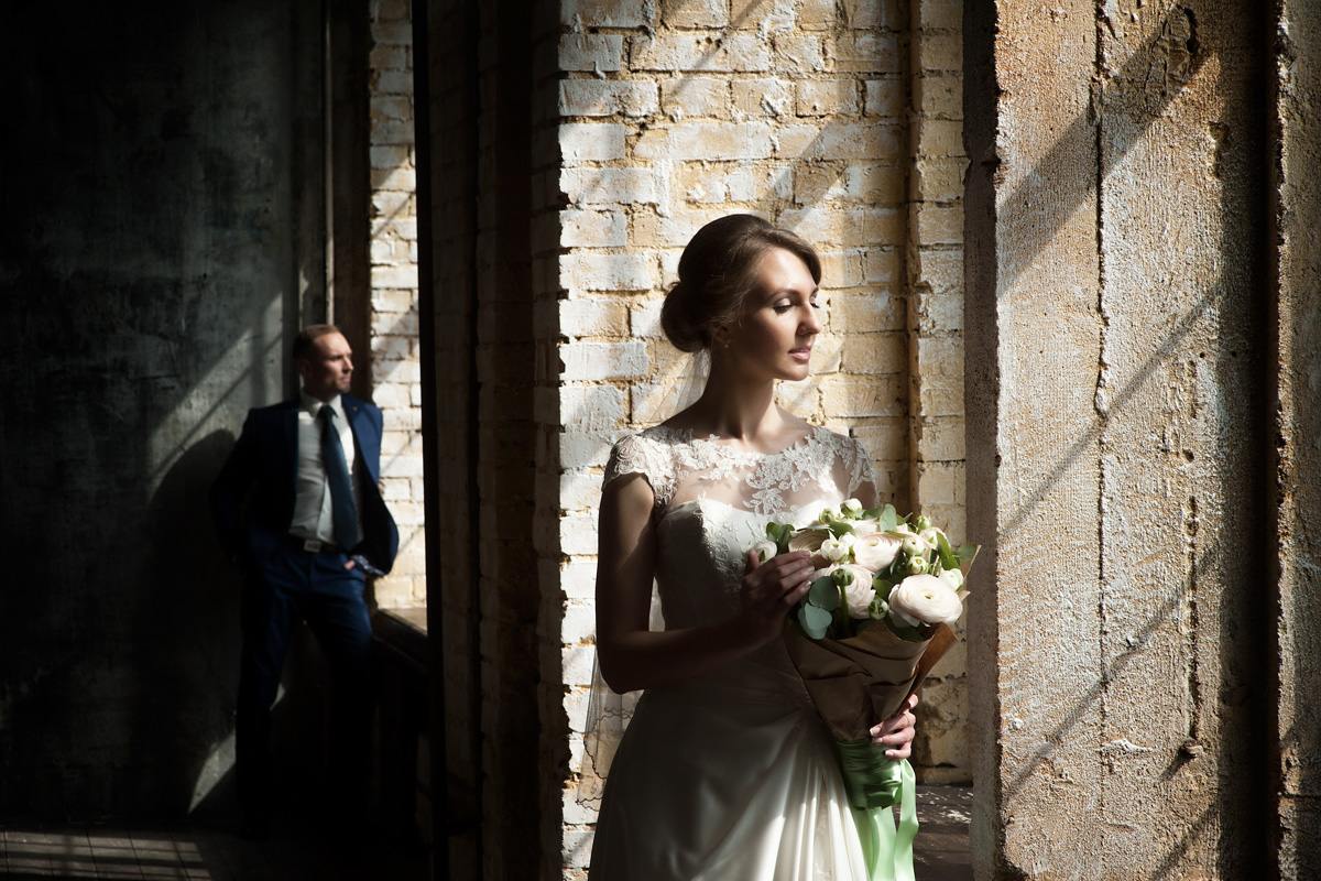 Свадебная фотосессия в студии «Fotofaktura»